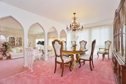 staten island pink 1970s dining room