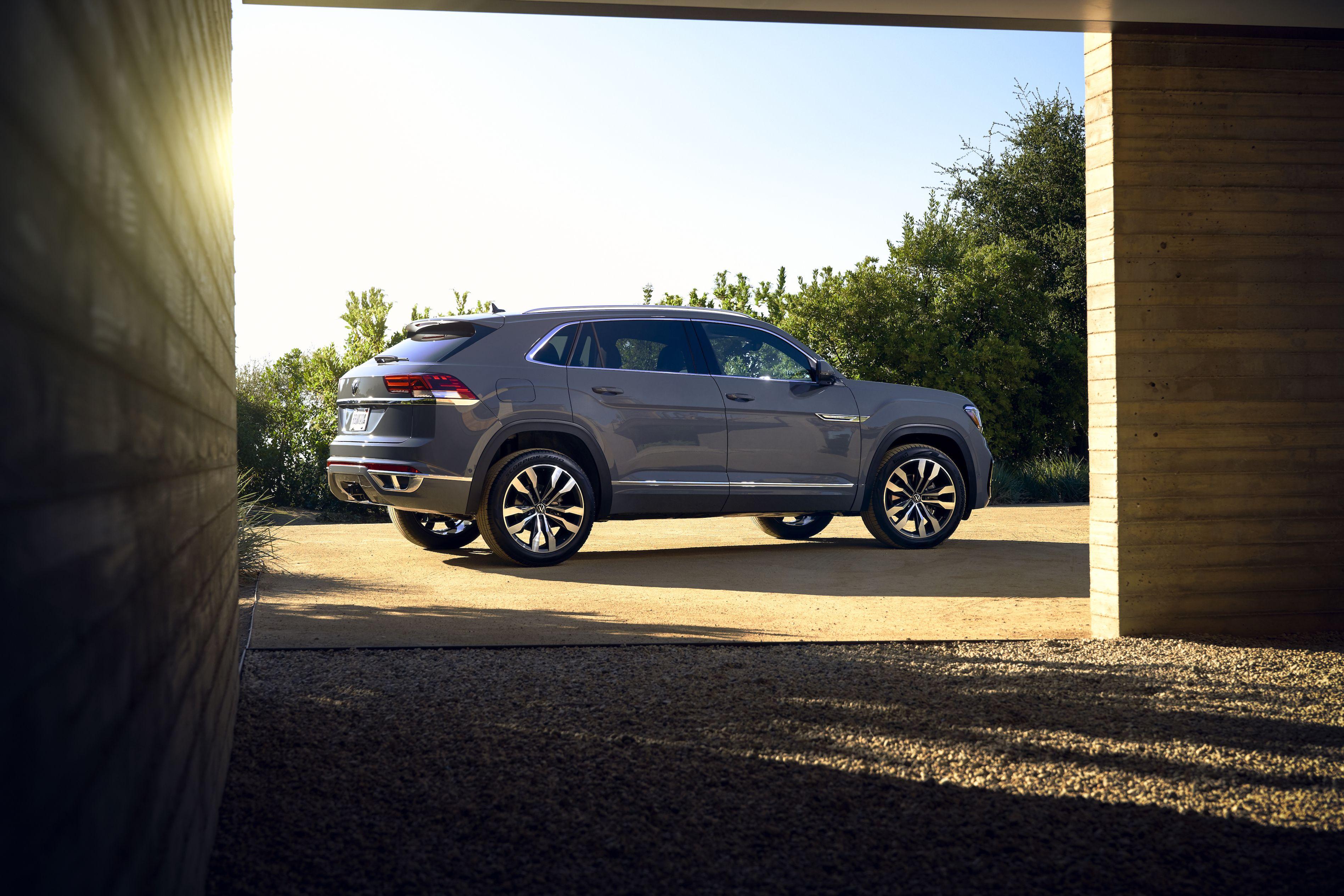 Volkswagen S Five Seat Atlas Cross Sport Coming To American Roads