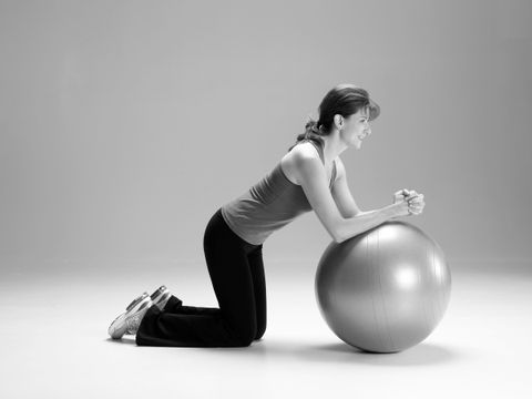 1A: Kneeling Ball Rollout