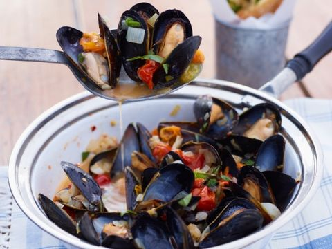 Spicy Tomato Mussels