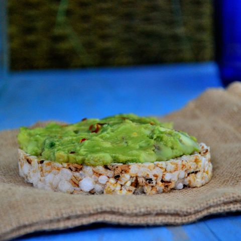 Flax-Guacamole with Rice Cakes