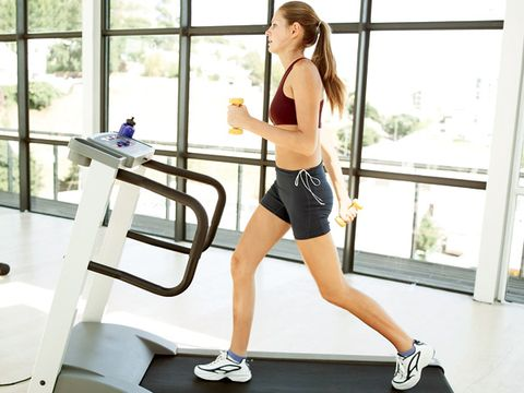 Leg, Human leg, Shoe, Shoulder, Joint, Elbow, Waist, Knee, Thigh, Physical fitness,
