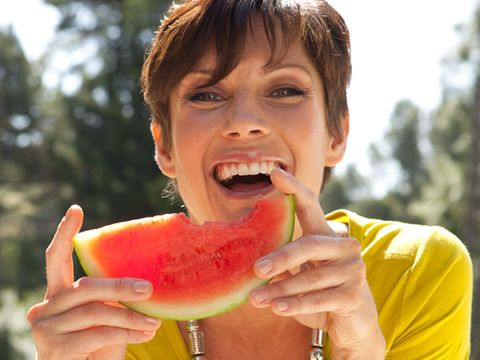 Human, Citrullus, Fruit, Food, Melon, Produce, Watermelon, Summer, Peach, People in nature,