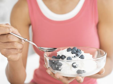 1. Eat low-fat, low-sugar yogurt