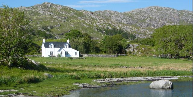 you can now rent this off grid cottage in scotland