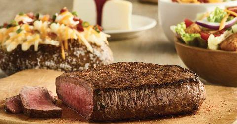 Dish, Food, Cuisine, Ingredient, Flat iron steak, Beef tenderloin, Steak au poivre, Steak, Sirloin steak, Roast beef,