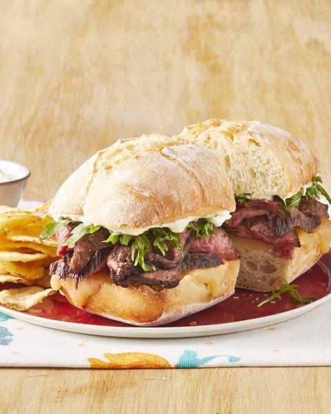 steak sandwiches with wasabi cream sauce