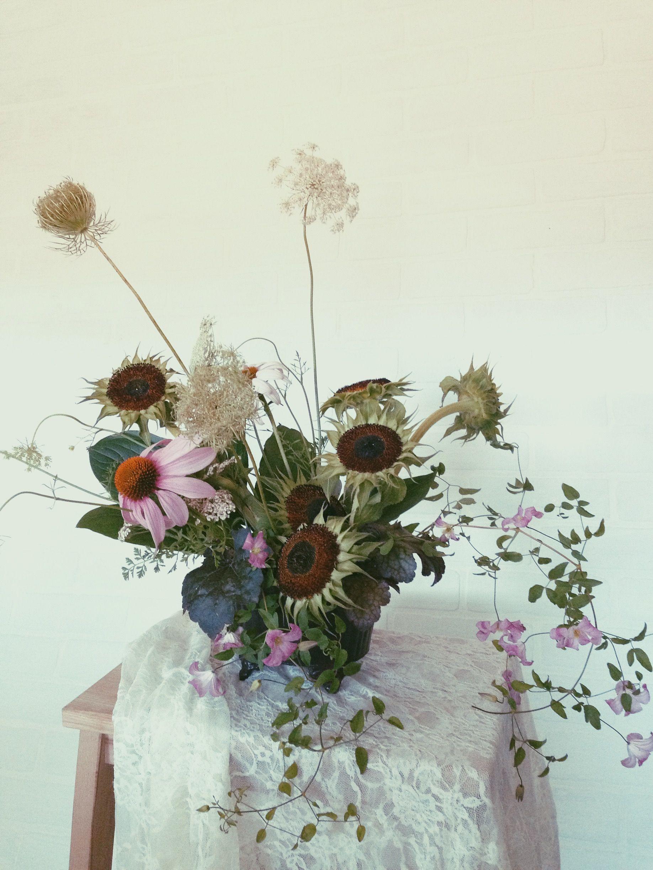 steel-cut-flower-summer-flower-arrangements