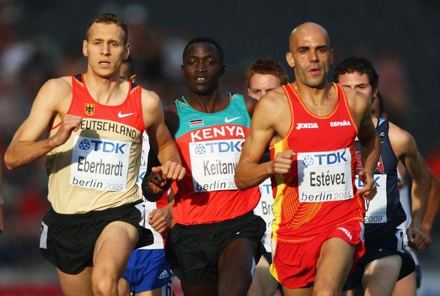 reyes estevez corre los 1500 metros en el mundial de berlín 2009