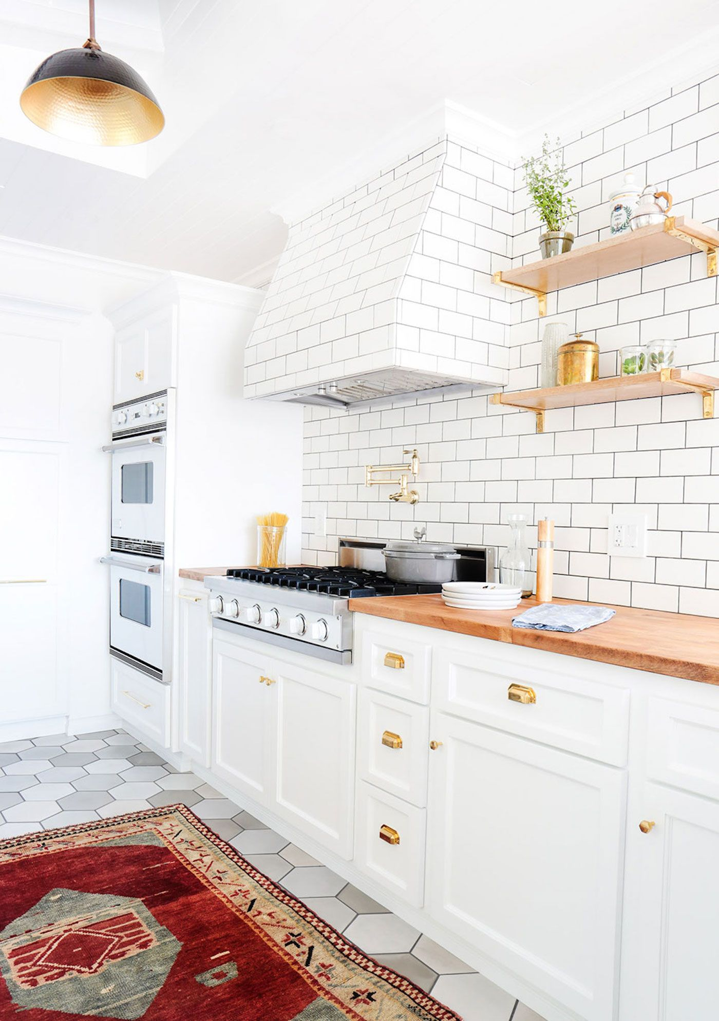 white-kitchen-cabinets
