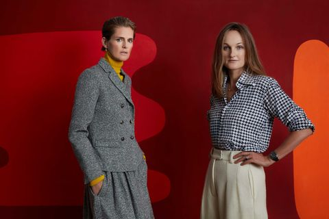 Stella Tennant and Isabella Cawdor with William Scott's Abstract Painting from 1967a