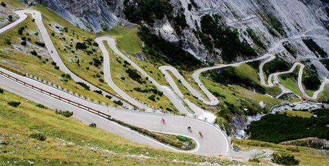 Mountain pass, Mountainous landforms, Mountain, Mountain range, Road, Thoroughfare, Highland, Alps, Valley,
