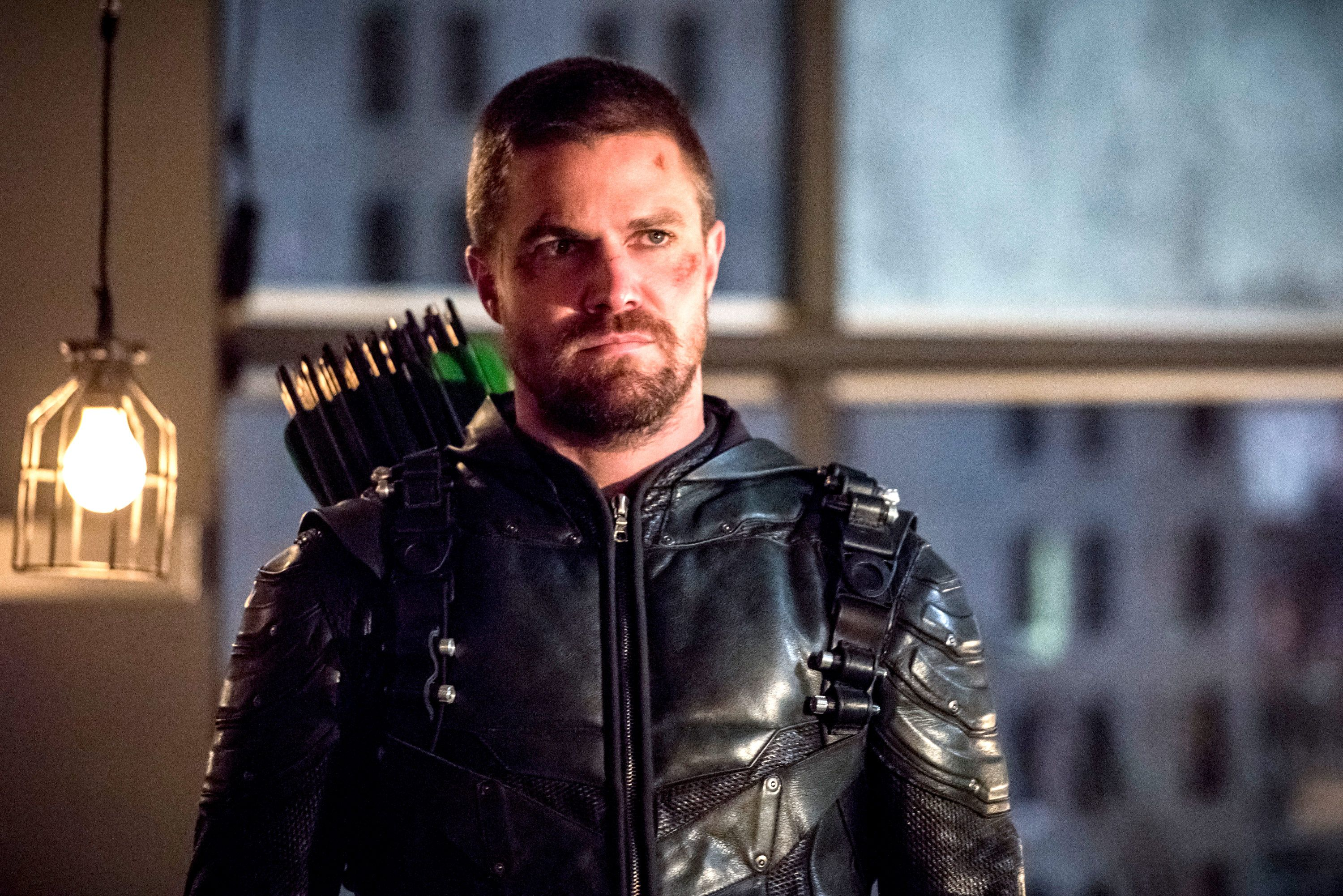 Arrow star discusses how Crisis On Infinite Earths will affect Star City 2040