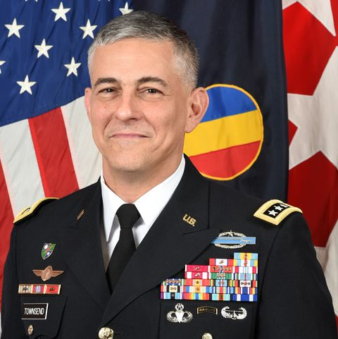 online scammers can t stop impersonating this four star army general