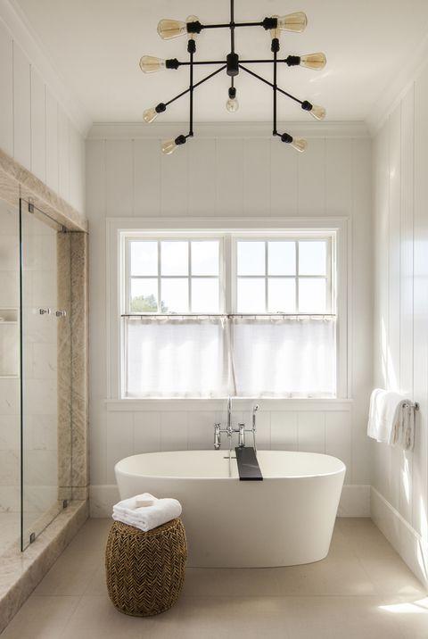 Bathroom, Room, Ceiling, Property, Interior design, Floor, Lighting, Building, Tile, Light fixture,