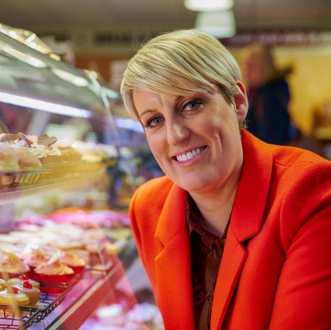 Steph McGovern leaves fans in stitches with face mask gaffe