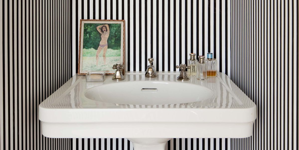 30 Small Powder Rooms That Go Big On Design