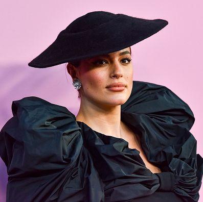 Clothing, Hat, Beauty, Fashion, Purple, Headgear, Fashion accessory, Fedora, Photography, Sun hat,