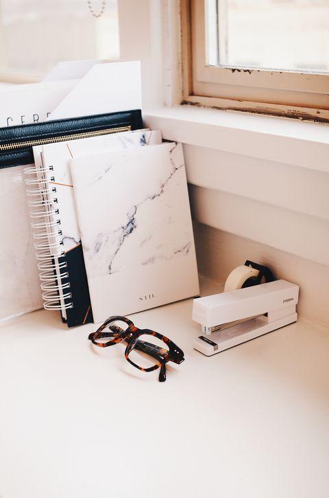 Room, Furniture, Shelf, Cable management, Desk, Table, Floor,