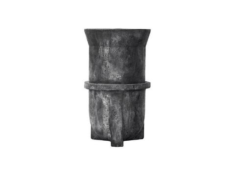 Vaso Bronze Urn, di Rick Owens. Il resto nel testo.