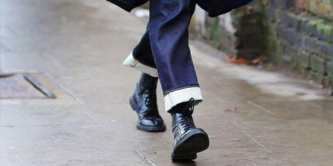 Footwear, Blue, Shoe, Street fashion, Leg, Jeans, Ankle, Human leg, Fashion, Human body,