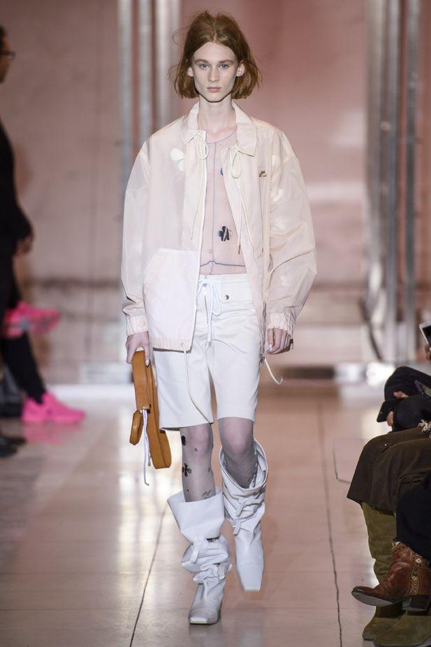 stivali-alti-moda-2019-courreges