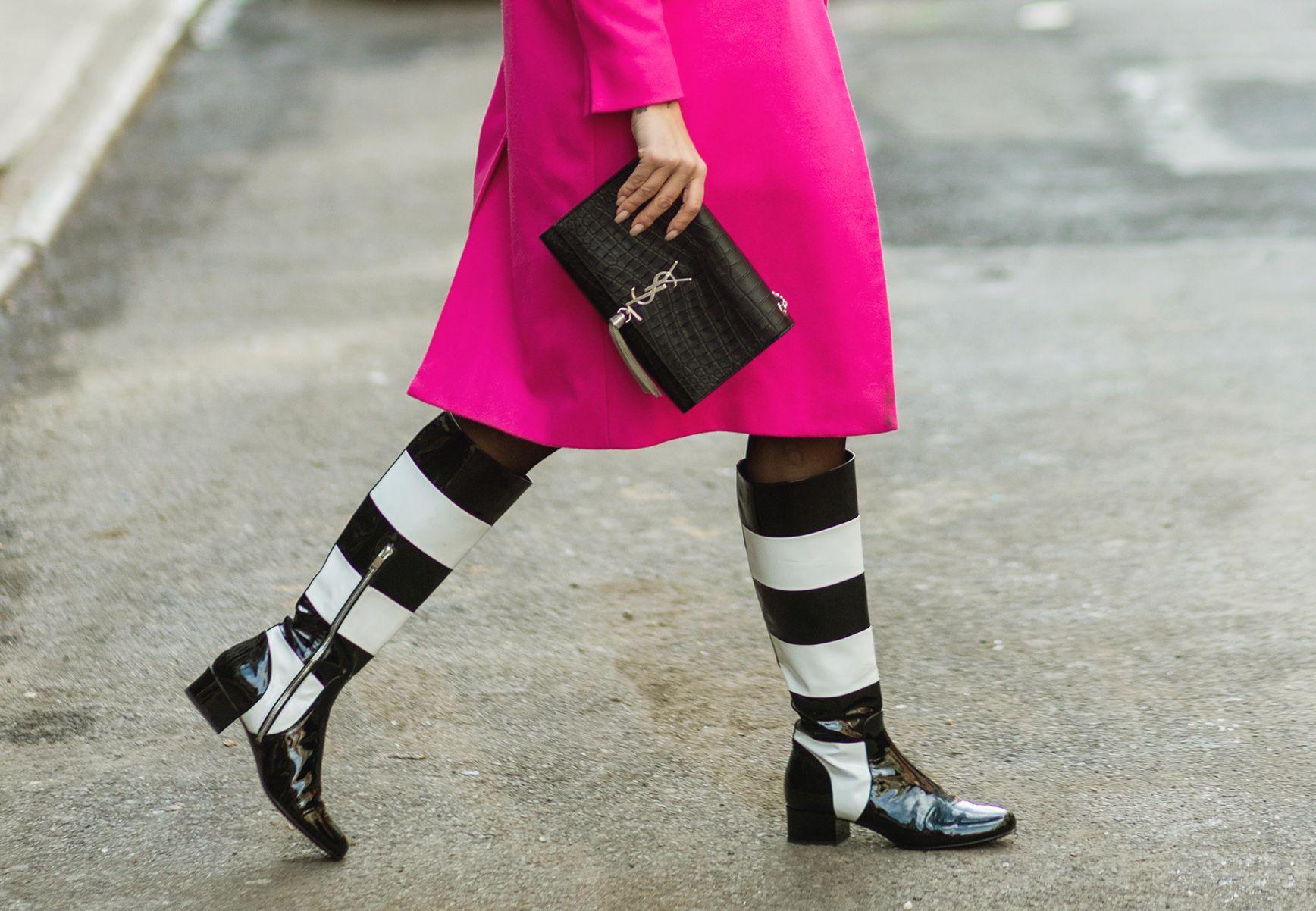 Stivali moda Inverno 20198  i modelli in vernice e gli stivaletti lucidi e  di vinile sono must have bcf641eac48