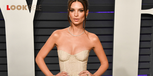 Stivali pitonati Emily Ratajkowski Michael Kors moda 2019