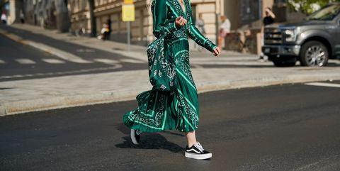 Street fashion, Green, Fashion, Clothing, Eyewear, Sunglasses, Snapshot, Footwear, Street, Dress,