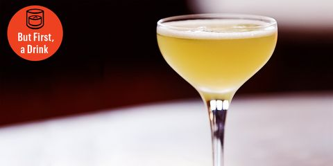 Drink, Classic cocktail, Pisco sour, Alcoholic beverage, Champagne cocktail, Cocktail, Distilled beverage, Sour, Non-alcoholic beverage, Wine cocktail,