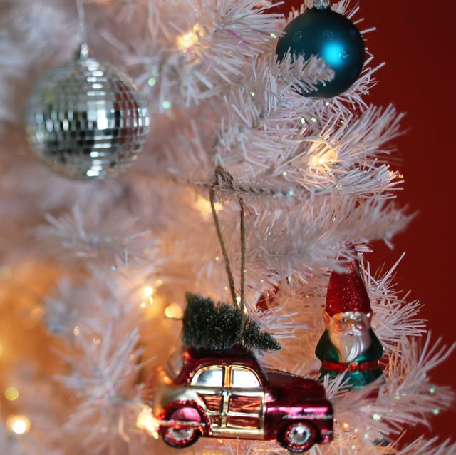 Christmas tree, Christmas ornament, Tree, Christmas, Christmas decoration, Christmas lights, Event, Interior design, Plant, Ornament,