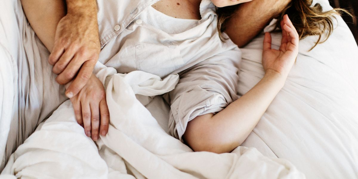 Dear People in Long-Term Relationships, Enjoy Your Lazy Sex Because Hookups While Single Are Hard AF