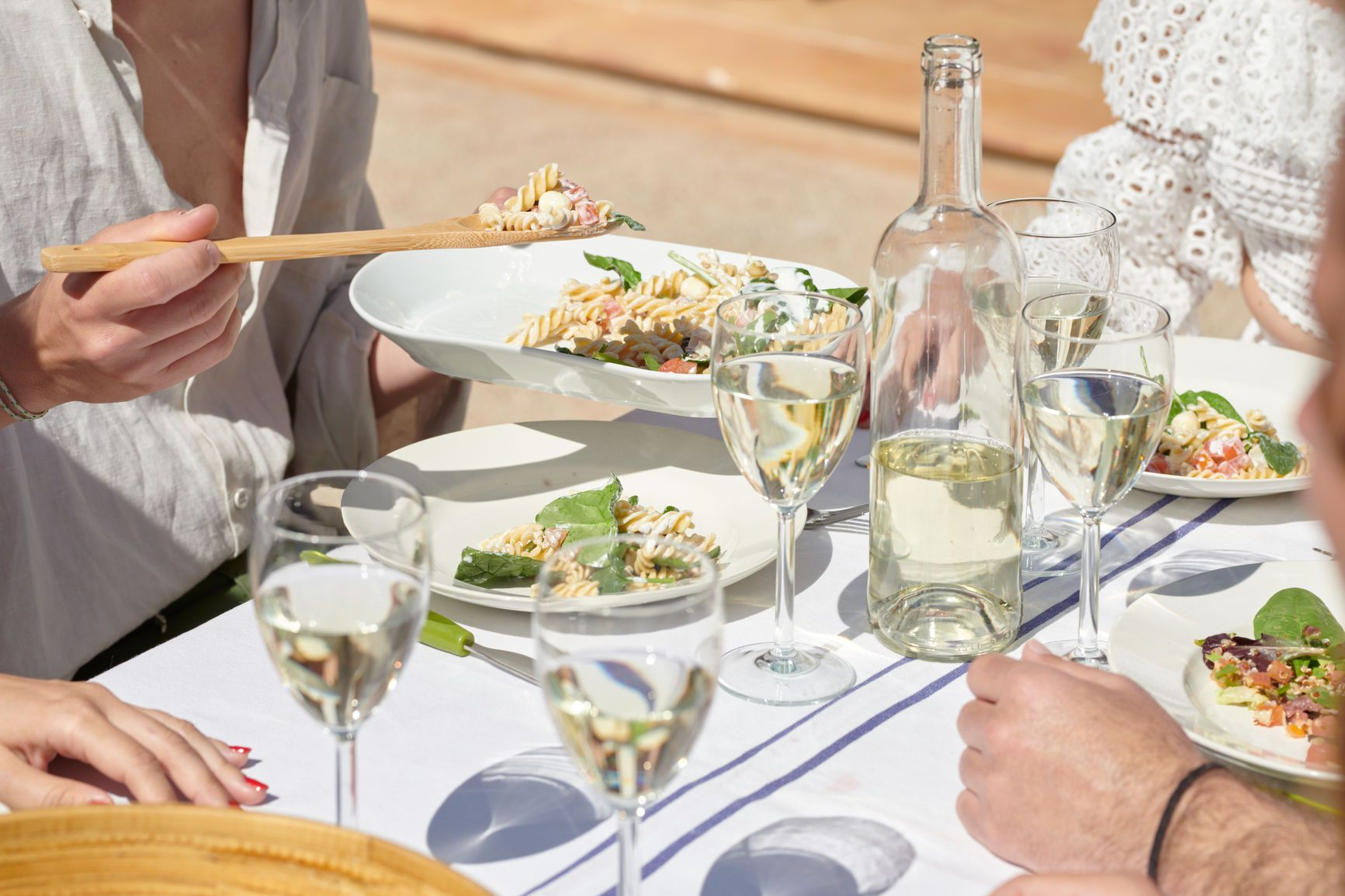 The Best Food and Drink Pairings for Your Next Summer Party