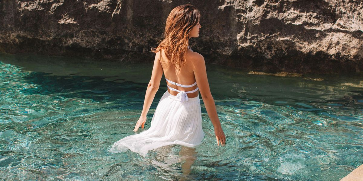 How to Style Your Beach Sarong
