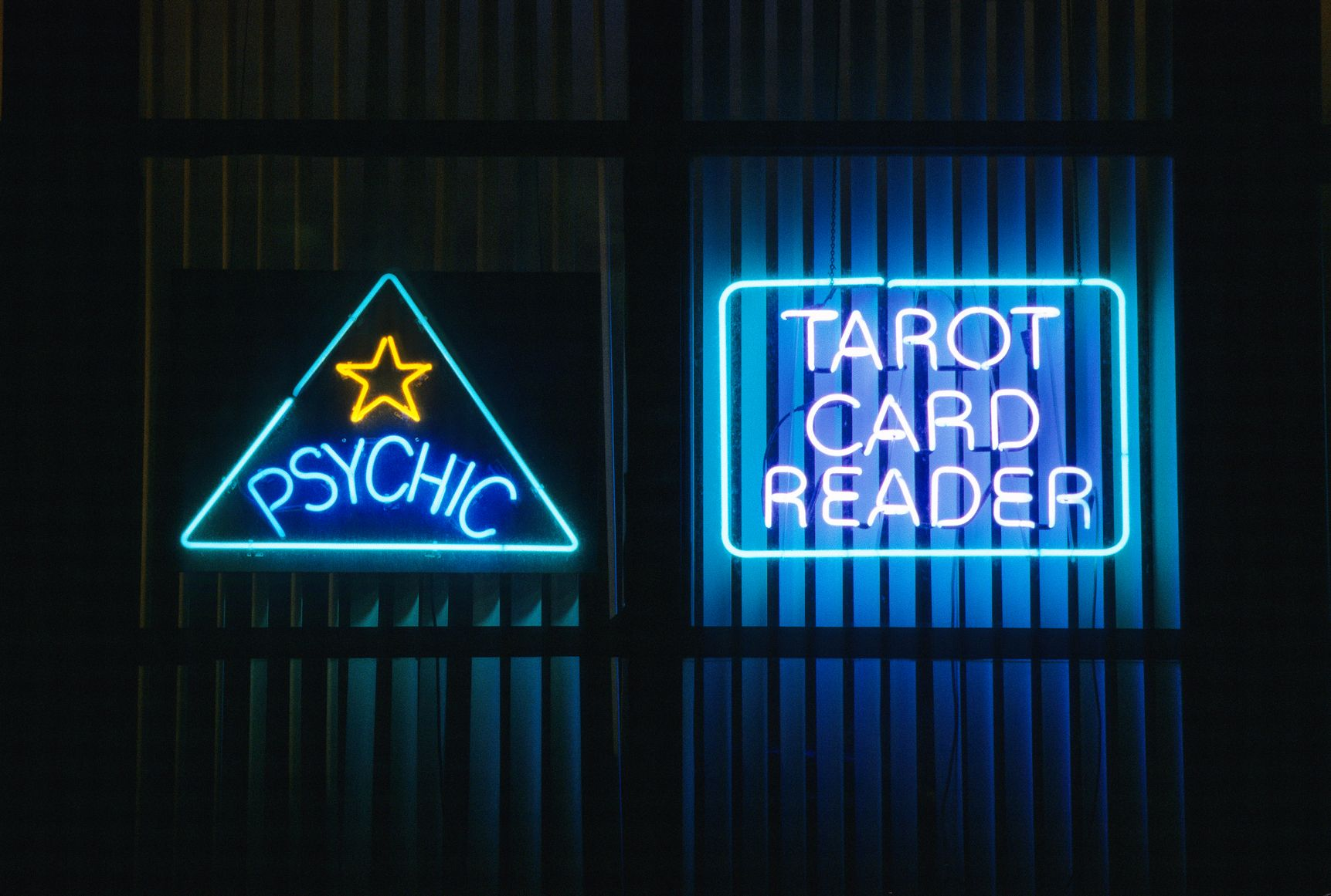 I Was an Online Professional Tarot Card Reader for a Year
