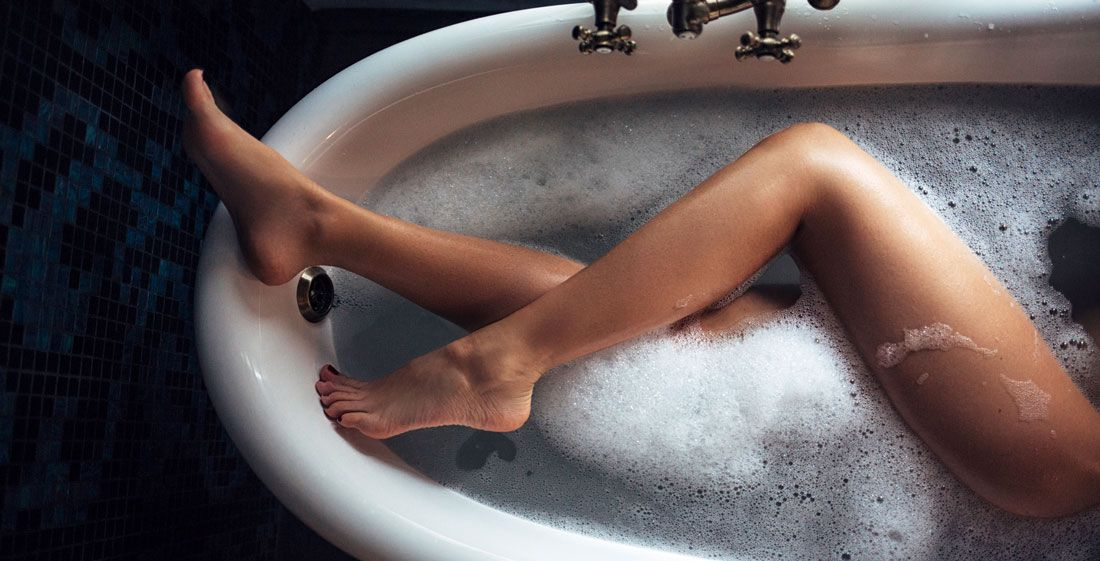 10 reasons baths are lame - why taking baths are gross