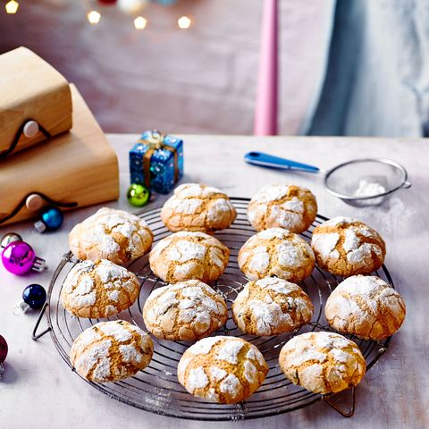 best homemade christmas gifts stollen crinkle biscuits