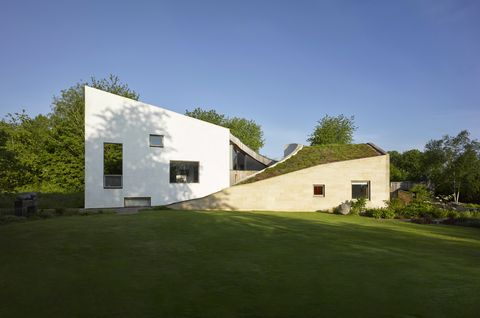 stonecrop house by featherstone young