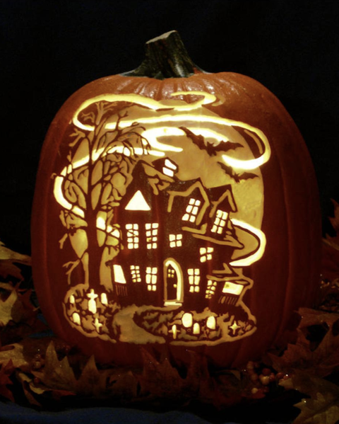 pumpkin carving haunted house