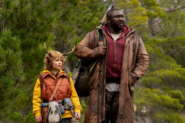 sweet tooth l to r christian convery as gus and nonso anozie as tommy jepperd in episode 103 of sweet tooth cr kirsty griffinnetflix © 2021