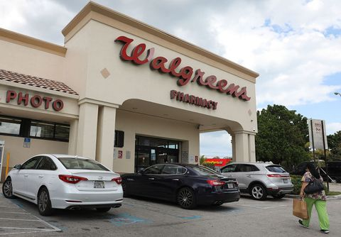 stores open thanksgiving walgreens