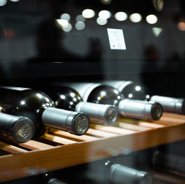 storing bottles of wine in fridge