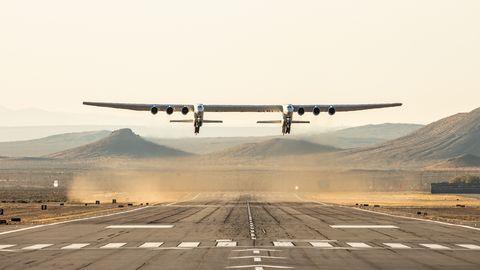 世界一巨大な航空機 ストラトローンチ(Stratolaunch Systems)