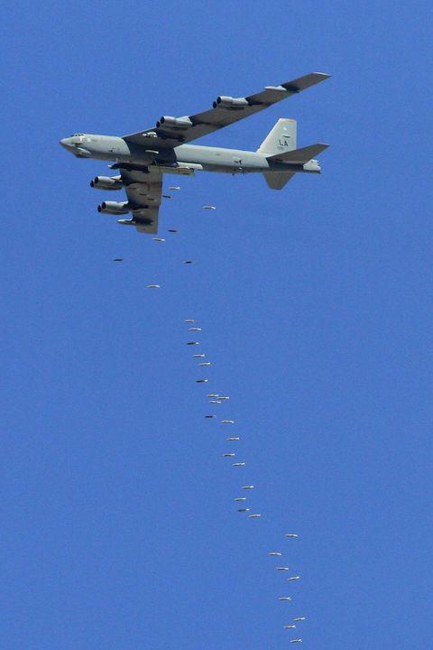 パナヴィア トーネード,ロッキード・マーティン F-35 ライトニング II,ボーイング B-52 ストラトフォートレス,マクドネル・ダグラス F-15 イーグル,アエロスパシアル/BAC コンコルド,スーパーマリン スピットファイア,ボーイング 747 ジャンボジェット,ロックウェル B-1 ランサー,ヴォート F4U コルセア,ダグラス DC-3,ボーイング B-29 スーパーフォートレス,ロッキード SR-71 ブラックバード,ロッキード C-130 ハーキュリーズ,フェアチャイルド・リパブリック A-10 サンダーボルト II,Panavia Tornado,Lockheed Martin F-35 Lightning II,Boeing B-52 Stratofortress,McDonnell Douglas F-15 Eagle,Aérospatiale/BAC Concorde,Supermarine Spitfire,Boeing 747 Jumbo Jet,Rockwell B-1 Lancer,Vought F4U Corsair,Douglas DC-3,Boeing B-29 Superfortress,Lockheed SR-71 Blackbird,Lockheed C-130 Hercules,Fairchild Republic A-10 Thunderbolt II