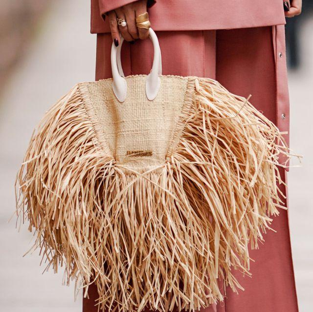 Fashion, Bag, Handbag, Fashion accessory, Street fashion, Fur, Textile, Pattern, Beige, Style,
