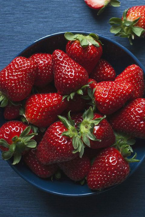 Strawberry, Strawberries, Food, Berry, Fruit, Natural foods, Frutti di bosco, Plant, Produce, Accessory fruit,