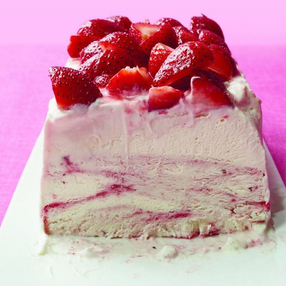 Father's Day cakes - Strawberry Ice Cream Cheesecake
