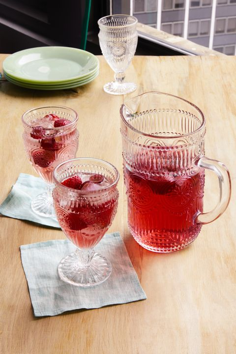 strawberry sangria cocktail recipes