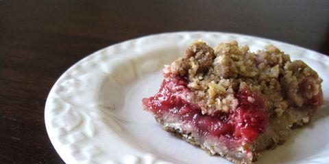 Ravenous Runner Strawberry-Rhubarb Crisp