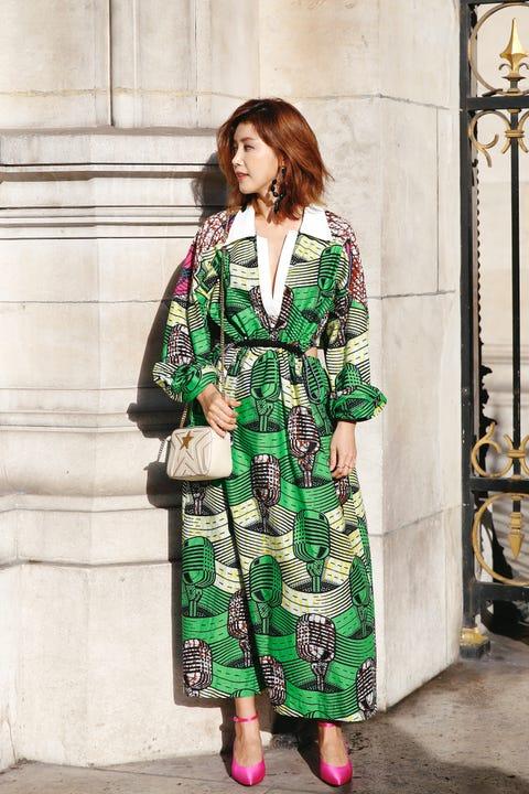 Clothing, Street fashion, Green, Fashion, Dress, Fashion model, Sleeve, Outerwear, Pattern, Fashion design,
